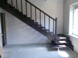 Лестница крашеная