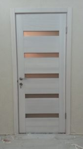 Двери со вставками